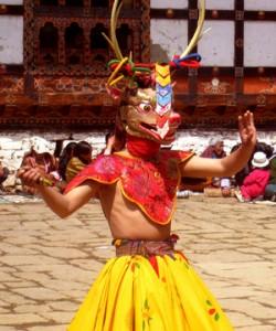 festival-dancers-bhutan-l